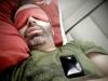 Медики не рекомендуют держать смартфон рядом во время сна
