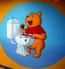 В Москве открыли туалет, в котором кормят из горшков и унитазов.