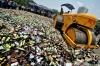 Полиция Сызрани утилизировала пустые бутылки под видом контрафактного алкоголя